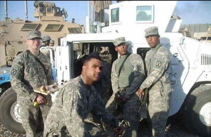 Shawn Patterson with fellow soldiers
